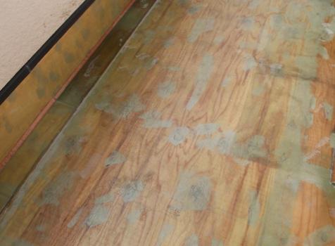 [FRP防水工事] ⑥ポリエステル樹脂が硬化したら防水層が完成
