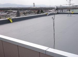 [屋上防水工事] シート防水工事を行いました。防水工事を行うことにより、雨水の侵入を防ぎます。