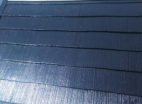 [屋根・塗装後] 塗装後です。3回塗りをすることで、屋根材を強化し長持ちさせます